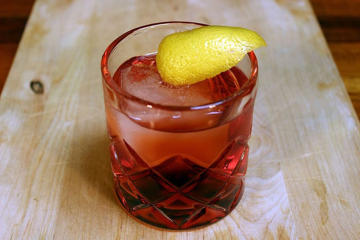 manly mixed drinks negroni