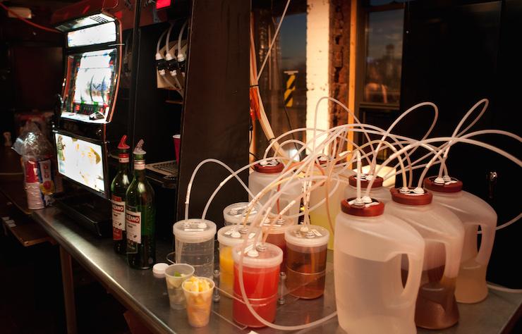robot bartender tubes barbot